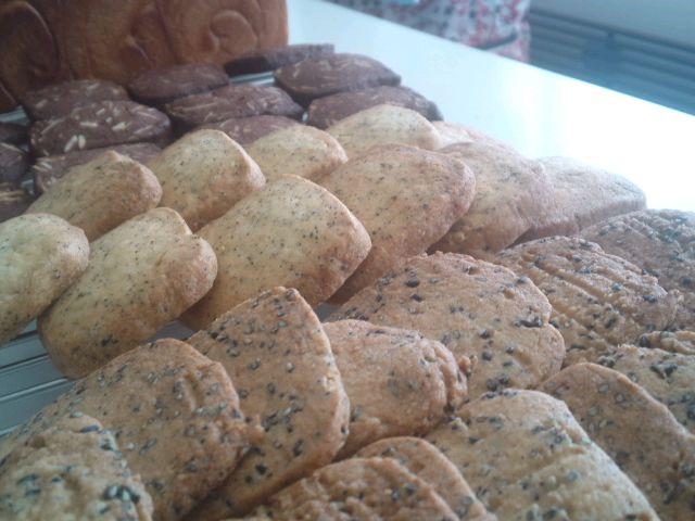 いちご食パンとサブレ3種